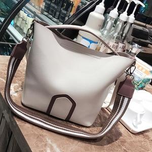 Image 2 - Ladies Crossbody Bag European and American Leisure Fashion Shoulder Bag High Quality Solid Handbag Simple Tassel Bucket Bags