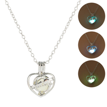 купить Hot Sale Glow In The Dark Necklace Classic Luminous Heart Shape Pendant Necklace Fshaion Silver Chain Jewelry for Women Gifts недорого