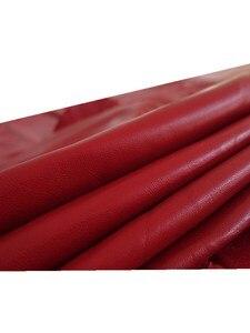 Plain grande algodão vermelho jaqueta de couro roupas de couro de pele de carneiro couro 0.7-1.1mm luvas saia na altura do joelho almofadas de tecido pequena couro