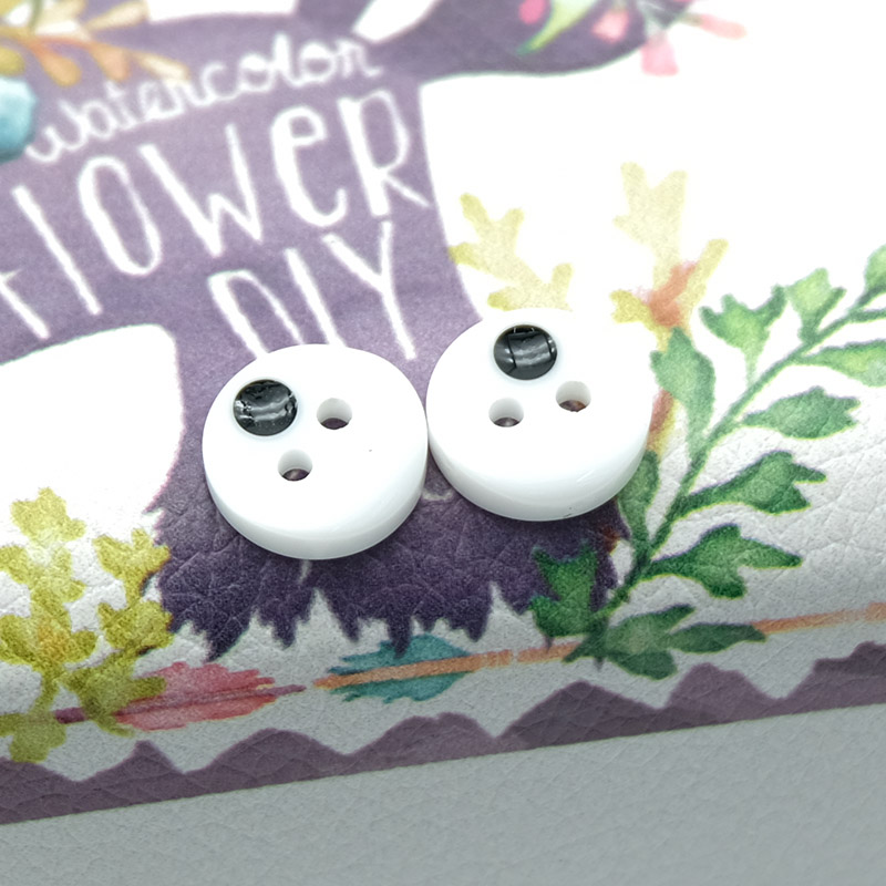 Round Inlay Buttons 2 Holes 100pcs/lot Resin Light Clothing white Wholesaleable  Irregularity