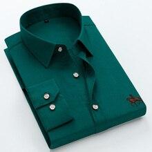Duży rozmiar 6XL 100% bawełny z długim rękawem haftowane mężczyźni koszula wygodne szczupła męska koszulka sukienka 5XL Plus rozmiar wysokiej jakości tanie