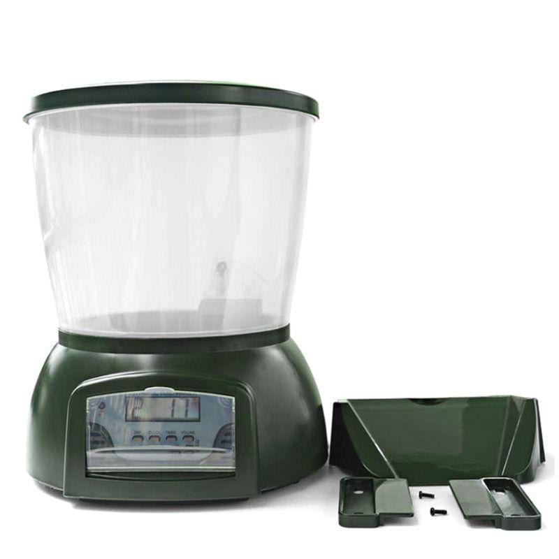 Dispositif d'alimentation automatique de grande capacité régulièrement. Distributeur de stockage de nourriture de poisson. Mangeoire de réservoir de poisson pour l'étang de jardin