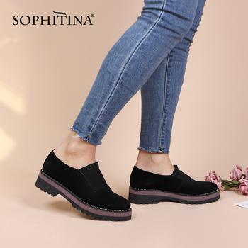 SOPHITINA wygodne buty na płaskiej podeszwie z okrągłym noskiem wysokiej jakości dziecięca zamszowa modna specjalna konstrukcja buty jednokolorowa na co dzień damska nowa PC381 tanie i dobre opinie Podstawowe CN (pochodzenie) Dzieciak Zamszu Slip-on Pasuje prawda na wymiar weź swój normalny rozmiar Kożuch Płytkie