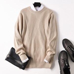 Image 4 - Suéter de cachemira auténtico de otoño e invierno para hombre, Jersey de punto de manga larga con cuello redondo holgado informal de 100% para hombre, suéter de tejer al fondo