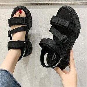2020 г. Новые летние женские сандалии эластичная повседневная обувь женские сандалии на плоской платформе, женские массивные римские черные ...