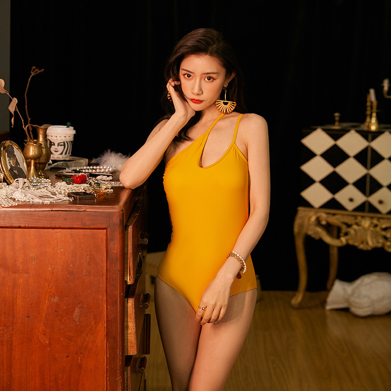 2020 New Style One-Shoulder Design Wind Ginger Backless Sexy Retro Literature And Art Spa Resort One-piece Swimming Suit
