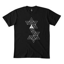 Раскатанная классическая черная футболка d20 173DMN