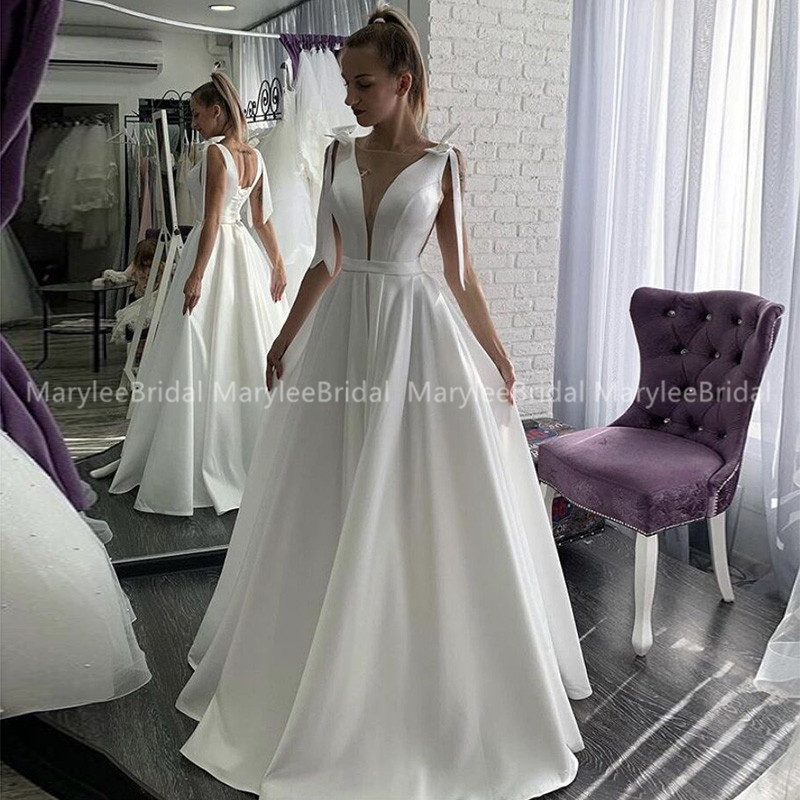 White Ivory Floor Length Wedding Dress With Bow Straps Simple V-neck Suknia Slubna Lace Up Back Wedding Gowns For Russia Bride