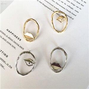 AOMU-Retro-Metal-Asymmetric-Lips-Eye-Stud-Earrings-Geometric-Round-Outline-Alloy-Earrings-for-Women-Fashion