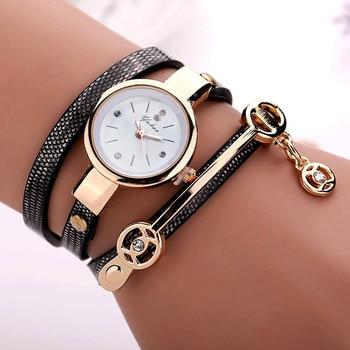цены New Duoya Fashion Women Bracelet Watch Gold Quartz Gift Watch Wristwatch Women Dress Leather Casual Bracelet Watches