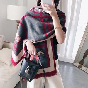 Image 2 - 女性カシミヤスカーフ暖かい冬パシュミナスカーフショールラップ女性のための高級チェーンプリントバンダナスカーフ2020ファッション