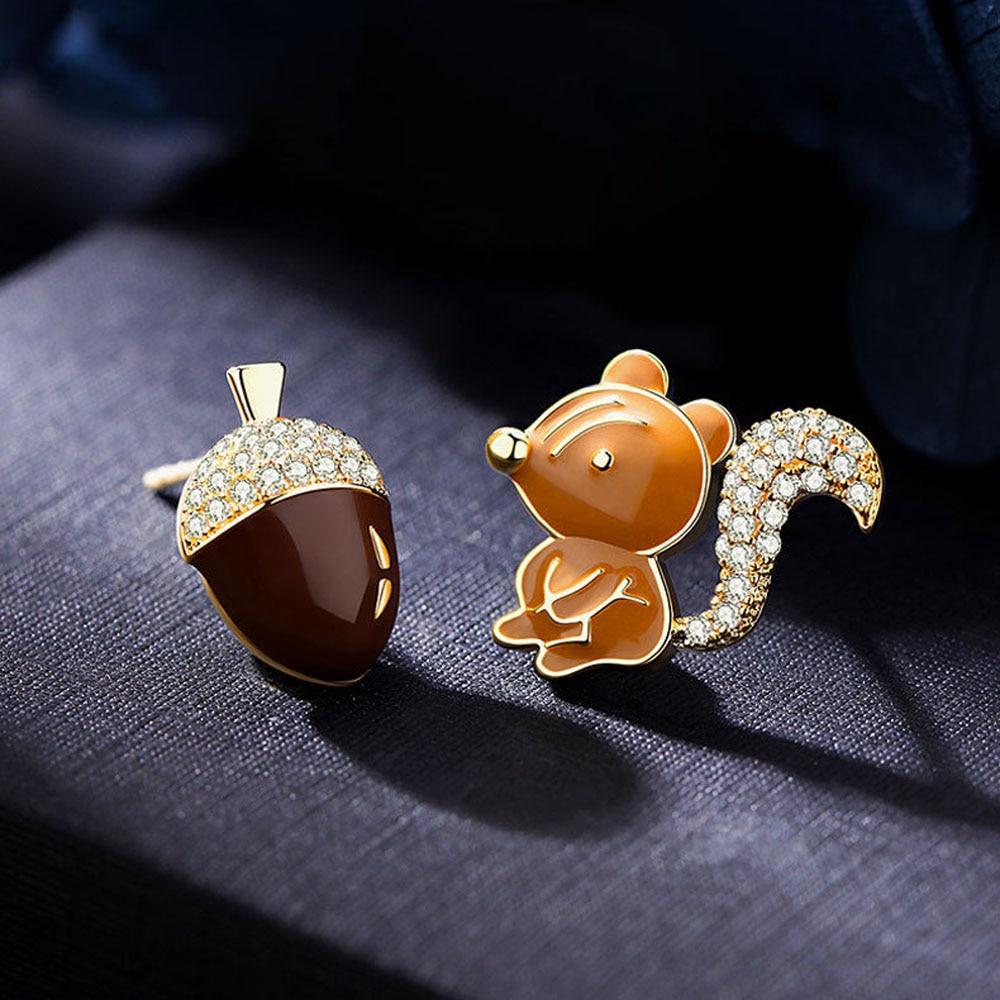 Fashion Cute Stud Earring Squirrel Pine Cone Zircon Crystal Earrings Cartoon Animal Earrings Wedding Jewelry Christmas Gift
