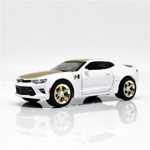 Greenlight 1:64 2018 Chevrolet Camaro SS GoldWhite без коробки