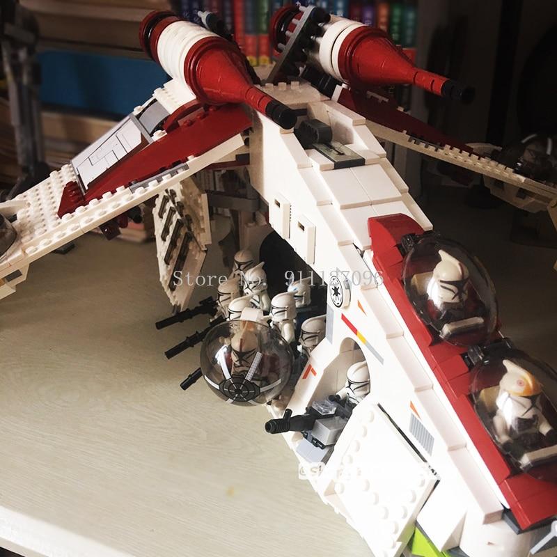 1224 pçs brinquedo bloco de construção presente aniversário do menino puzzle montado brinquedo república gunboat compatível 05041 80143