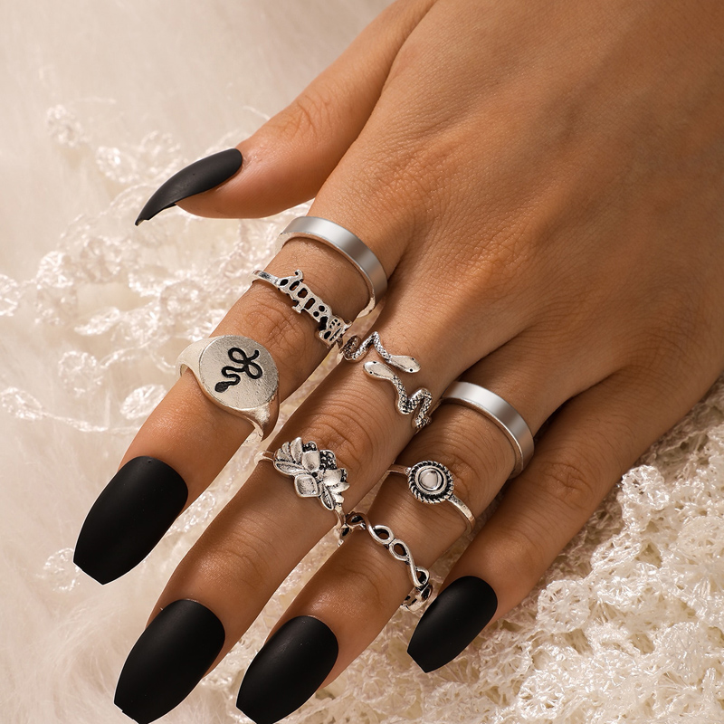 Tocona 8pcs/sets Bohemian Silver Color Snakle Lotus Ring Sets for Women Shiny Rhinestone Letter Party Jewelry anillo 15841