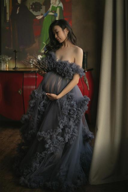 Dark Grey Maternity Dresses Tiered Ruffled Maternity Gown for Photoshoot Boudoir Lingerie Tulle Bathrobe Nightwear Babydoll Robe 6