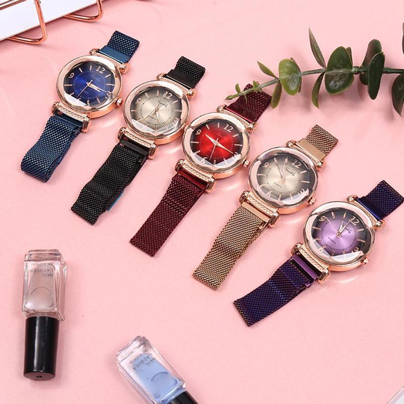 Fashion New Gradient Color Watch Women's Wild Quartz Watch Geometric Irregular Mirror Quartz Watch Leisure Watch