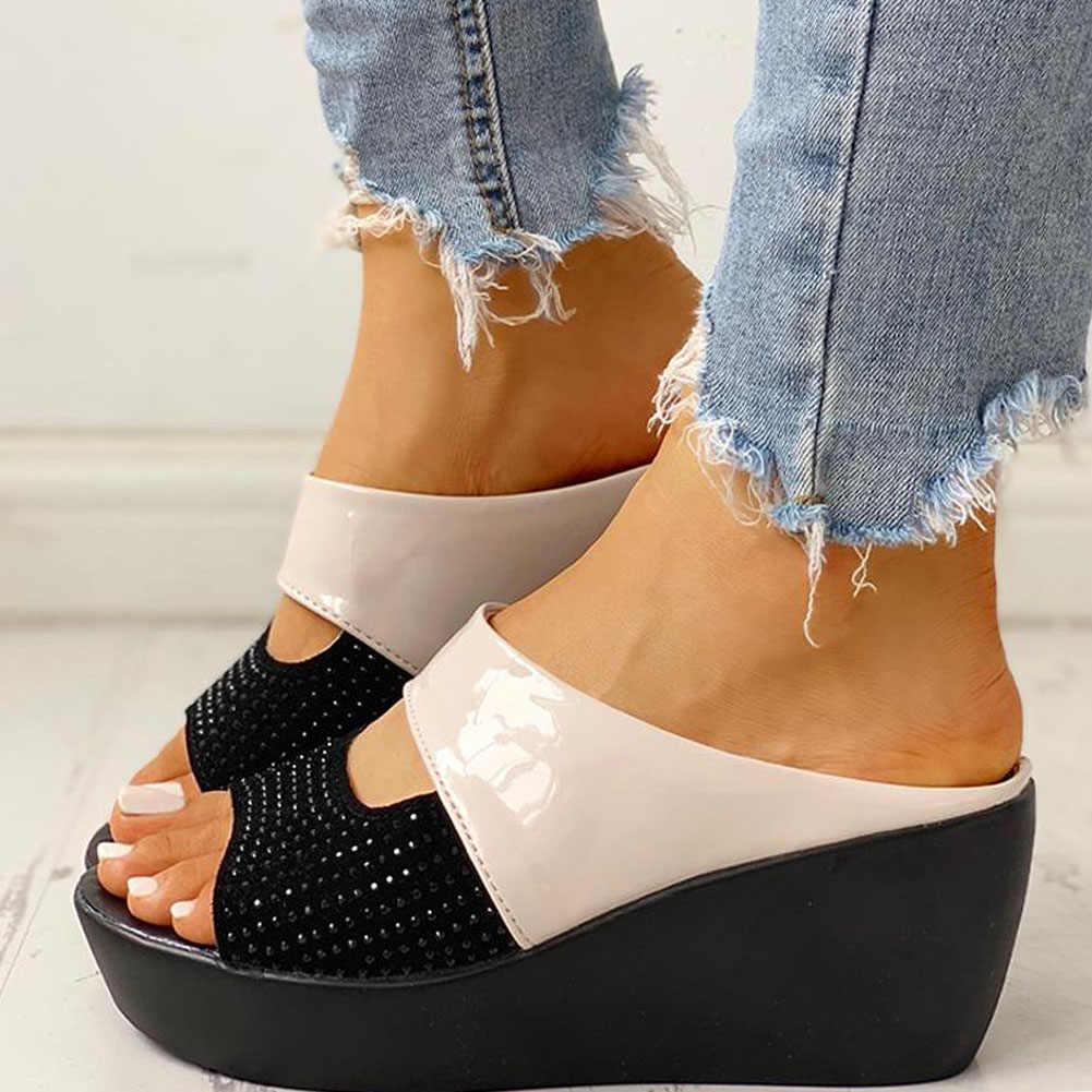 Karinluna yeni toptan takozlar topuk ayakkabı rahat Platform rahat yaz katır üzerinde kayma terlik kadın ayakkabı kadın sandalet