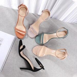 Image 2 - 2020 קיץ נשים של סנדלי נעלי אישה 8.5cm דק עקבים גבוהים פלוק מוצק קרסול רצועות צר אלגנטי קלאסי משרד ליידי משאבות
