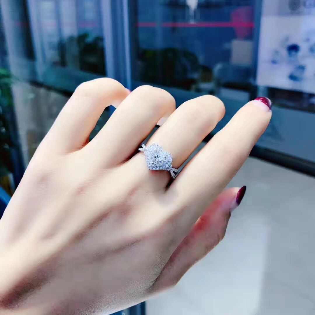 จริง S925 Sliver หัวใจรูปร่างแหวนเพชรสำหรับสุภาพสตรี Anillos De Bizuteria แฟชั่นอัญมณีที่เป็นของแข็ง Sliver 925 เครื่องประดับแหวน