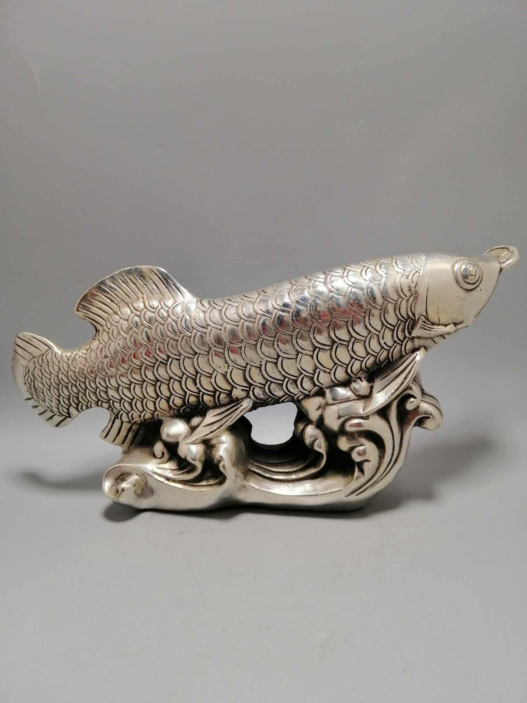 สีขาวโบราณ Bronze Ware ทองปลามังกรเครื่องประดับ