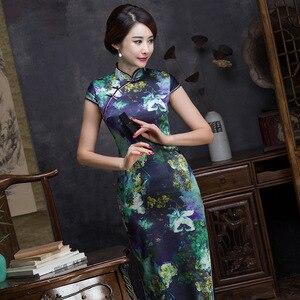 Image 3 - 2019 i odzież damska sukienka w stylu Qipao moda drukowanie pielęgnować moralność krótkim rękawem kołnierz jedwabiu długie Qipao producentów