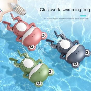 Kreatywność dziecko gra w wodzie na łańcuchu mechaniczna pływanie Backstroke mała żaba dziecko kąpać słodkie uspokoić zabawka w kształcie zwierzątka prezent tanie i dobre opinie MOONBIFFY CN (pochodzenie) 4-6y Z tworzywa sztucznego ŻABY Kąpieli Zabawka do kąpieli z ruchomymi kończynami Unisex