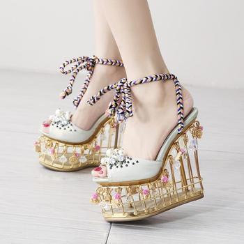Женские модельные туфли на высокой танкетке, украшенные жемчужинами и птицами, Свадебный светильник, босоножки в римском стиле с кристалла