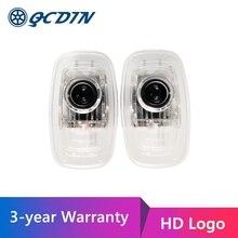 QCDIN עבור חדש CLA CLS LED רכב בברכה אור דלת מקרן לוגו אור עבור CLA C118 CLS C257 E כיתת קופה A238 C238 עם HD לוגו
