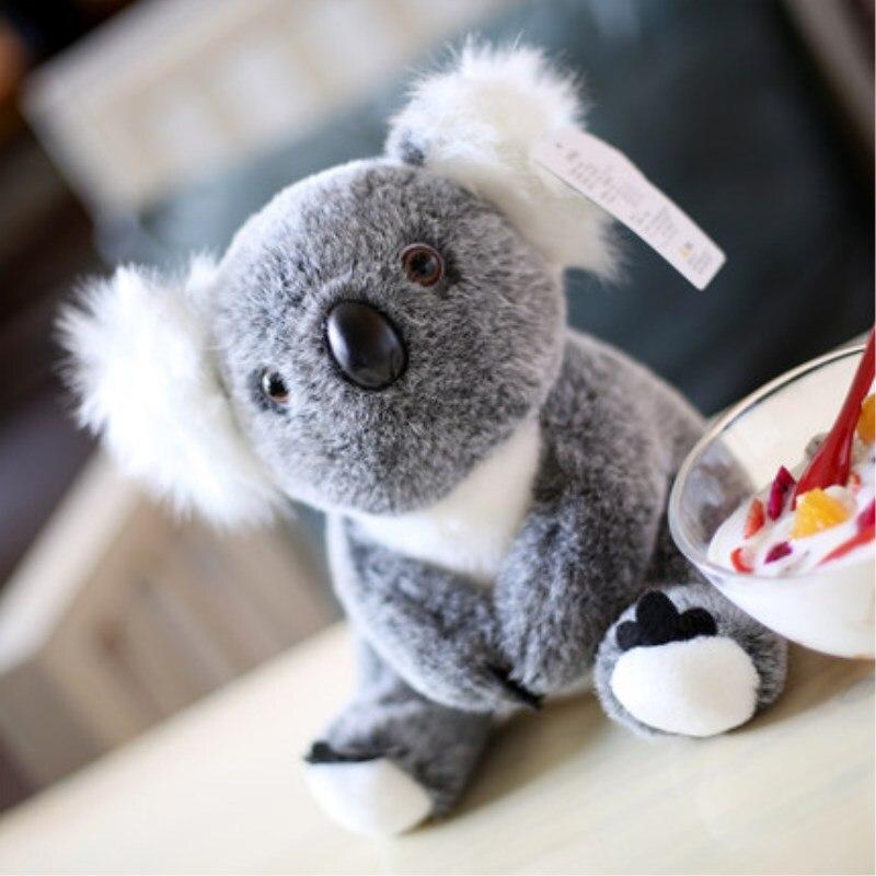 Kawaii Koala juguetes de peluche 28cm Koala oso peluche suave muñeca Super lindo Animal Australia encantador peluche para bebé niños regalo de cumpleaños Familia Koala en árbol blanco rama vinilos pegatinas para la pared del cuarto de niños calcomanías arte Mural extraíble bebé niños habitación pegatina decoración del hogar