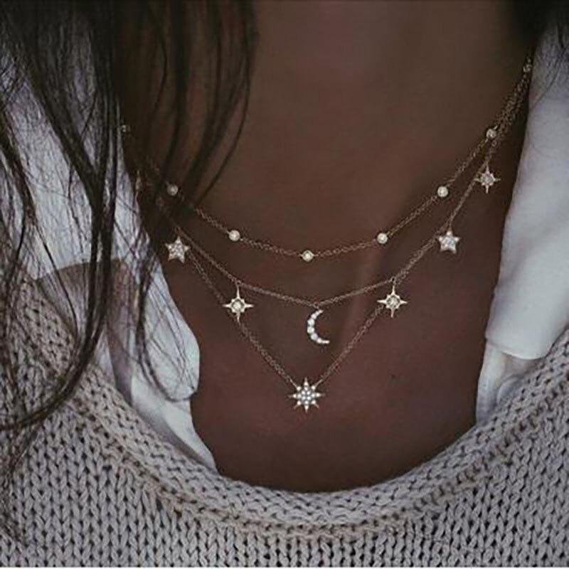 collier ras de cou pendentif lune