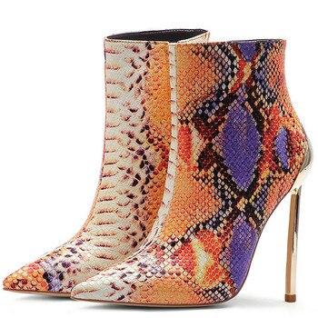 YECHNE Retrieves Snakeskin Women Single Shoes Woman High Hooks Metal Shoes Decoration Martin Laarzen Snakeskin Chelsea фото
