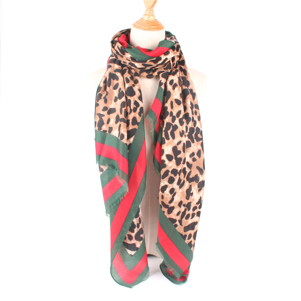 2018 Cross Border Hot Selling Autumn And Winter Red And Green Leopord Pattern Cotton Linen WOMEN'S Scarf Warm Shawl Dual Purpose