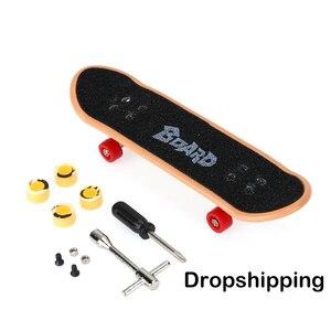 Plastic Mini Finger Skating Board Table Game Toy Kids Alloy Skateboard Children Finger Skateboarding Fingerboard Scooter Skate(China)