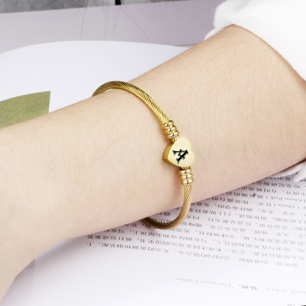 Fashion-Girls-Gold-Color-Stainless-Steel-Heart-Bracelet-Bangle-With-Letter-Fashion-Initial-Alphabet-Charms-Bracelets
