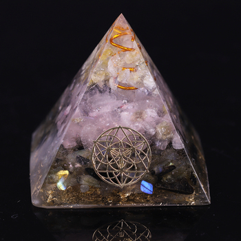 Ametyst Orgone Reiki piramida labradoryt kwarcowy ochrona energii medytacja Generator jogi tanie i dobre opinie OneQuarter 120g Crystal Orgonite Pyramid Kamień naturalny Decoration Due to handcrafting there will be a 2-5mm error Citrine + rose crystal + labradorite + resin + copper + gold foil