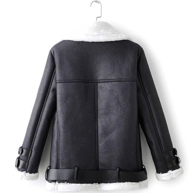 Фото куртка женская из искусственной кожи на молнии с карманами