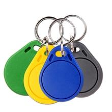 100 pçs rfid tag 125khz em proximidade rfid cartão keyfobs chave fob controle de acesso cartão inteligente 11 cores keyfob frete grátis