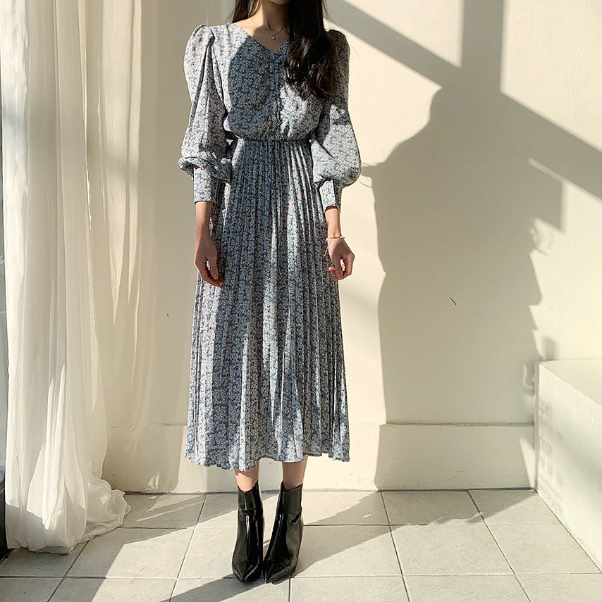 Hac011dc2776f446cba0e26a83e0b8c99Y - Autumn V-Neck Long Sleeves Floral Print Pleated Midi Dress
