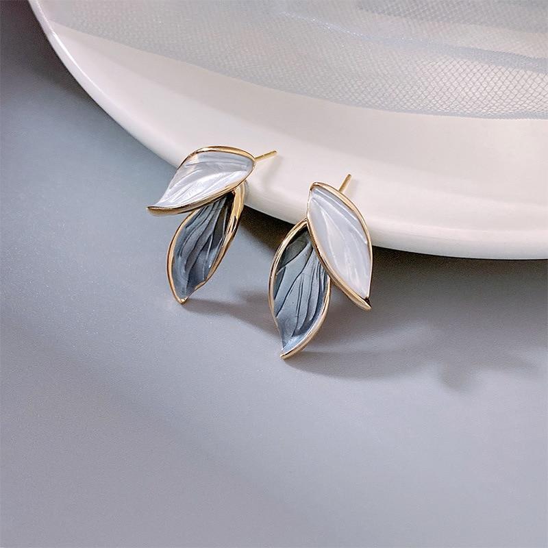 2021 New Arrival Metal Trendy Summer Fresh Lovely Sweet Grey Leaf Dangle Earrings For Women Fashion Metal Jewelry