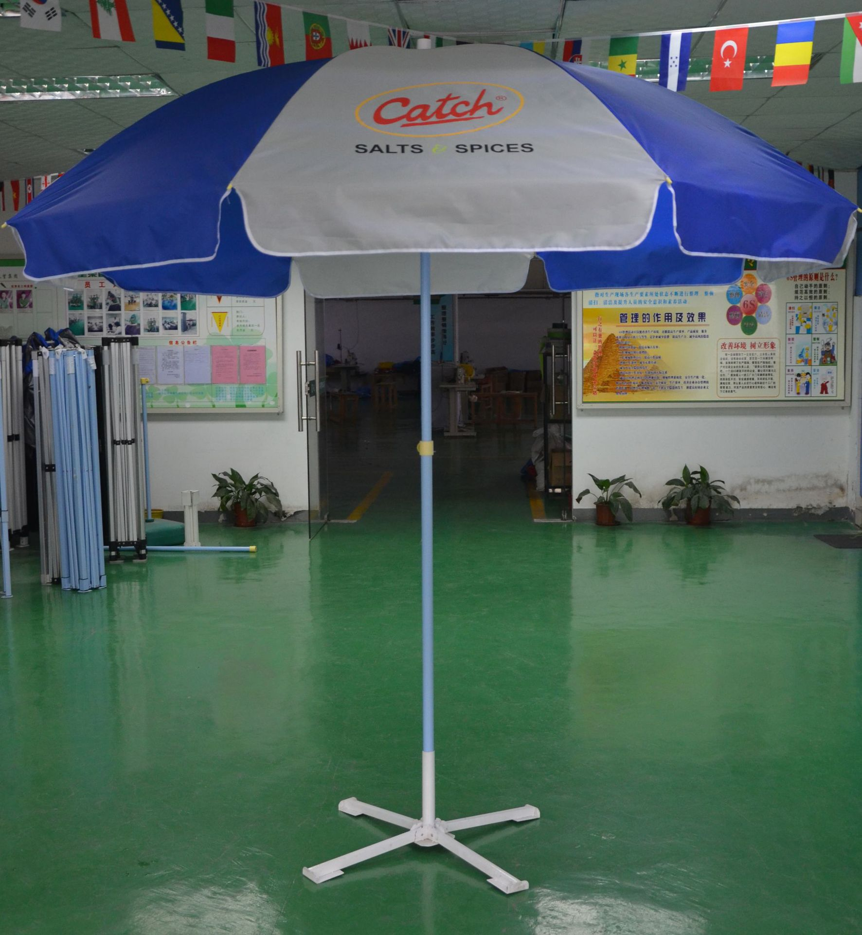 Manufacturers Direct Selling Outdoor Advertisement Folding Parasol With Mini Fan Customizable Printing Logo Advertisement
