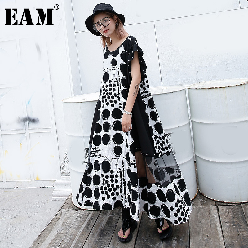 [EAM] Women Black Dot Printed Nailed Big Size Dress New Round Neck Short Sleeve Loose Fit Fashion Tide Spring Summer 2020 JG623