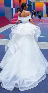 Image 4 - ויויאן של כלה 2019 חם רעיוני שמלת סאטן חתונה שמלה סקסי סטרפלס כבוי כתף להסרה רכבת בת ים כלה שמלה