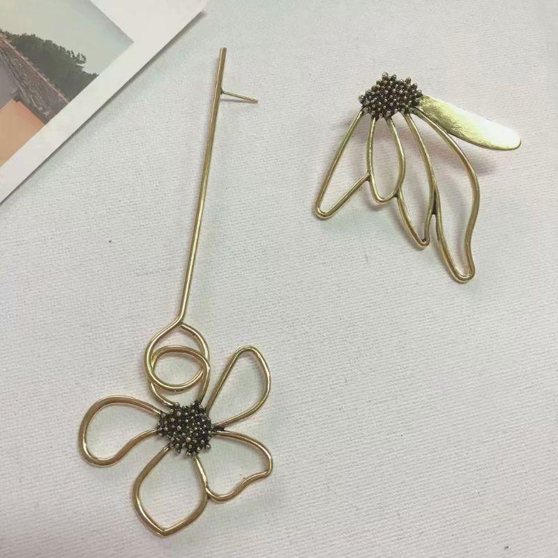 Superbe Bronze asymétrique fleur Super longues boucles d'oreilles pour les femmes bijoux de mode