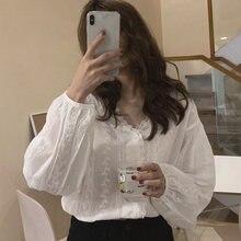 Корейская крючком белая кружевная рубашка осень тонкий v образный