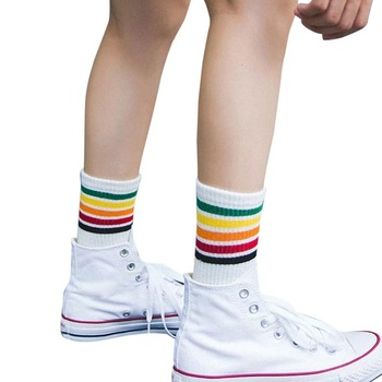 Skarpety sportowe bawełna Rainbow skarpetki w paski boże narodzenie na zewnątrz ciepłe boże narodzenie na co dzień skarpety rowerowe dla obu płci boże narodzenie fitness tanie i dobre opinie Podkolanówki WOMEN Jazda na rowerze Socks Free Size Cotton as shown
