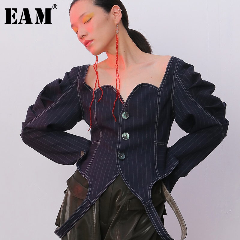 [EAM] Loose Fit Belt Pleated Personality Strapless Jacket New Lapel Long Sleeve Women Coat Fashion Tide Spring Autumn 2020 1B745