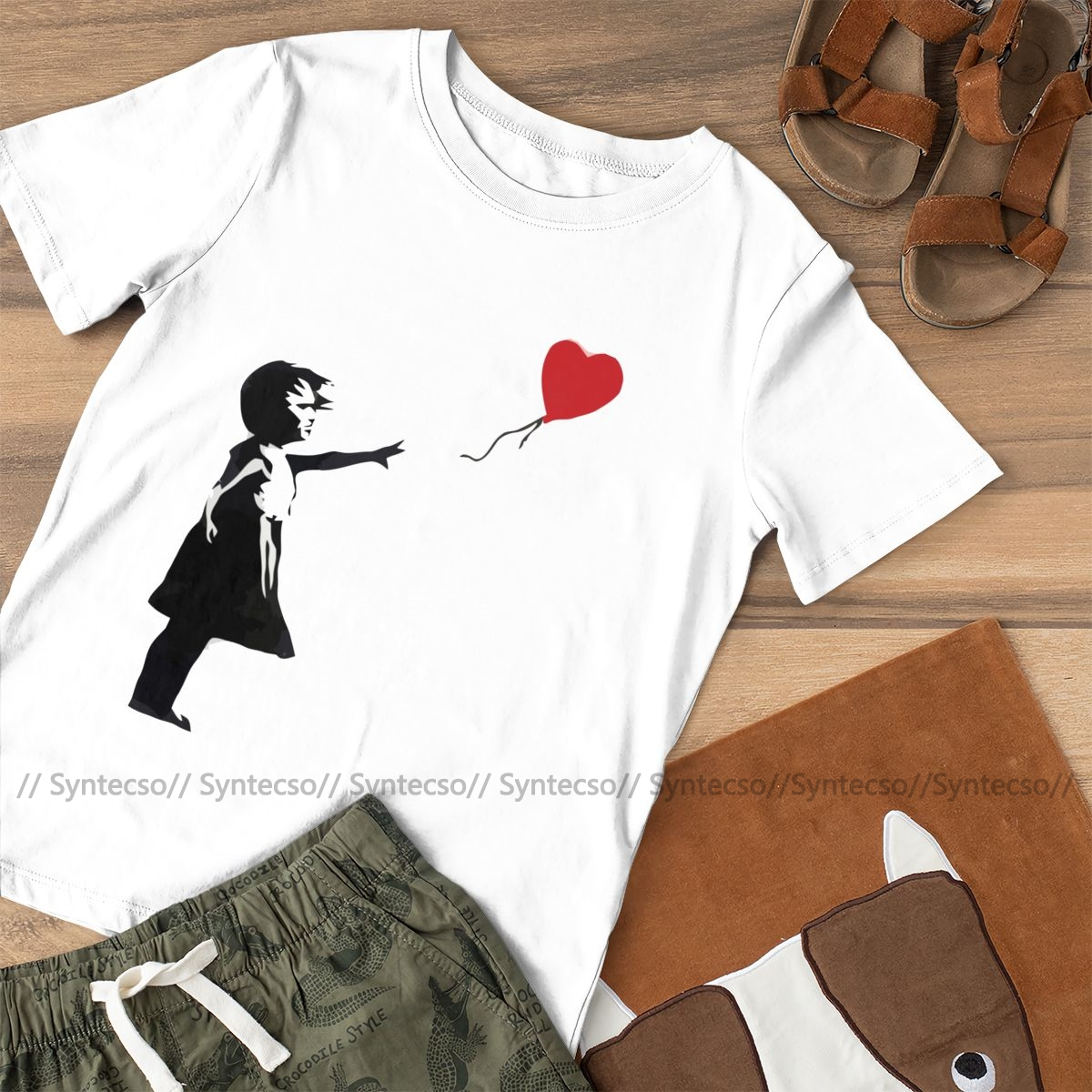 Heart Love T-Shirt Banksy Girl With Balloon T Shirt Trendy Purple Women tshirt Cotton Graphic Ladies Tee Shirt 2