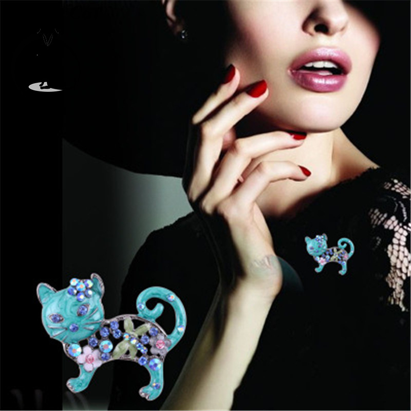 Euro-American Kitten Brooch Dropping Oil Plating Color-preserving Western Assembly Decoration Christmas Gifts for Women!