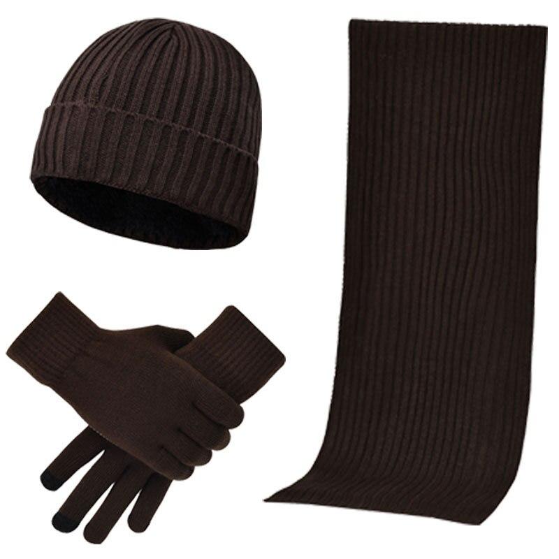 Bonnet et écharpe d'hiver tricotés
